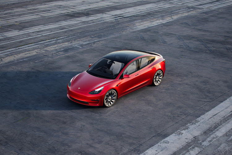 Tesla Self-driving Cars May Not Be Achieved By Year-end